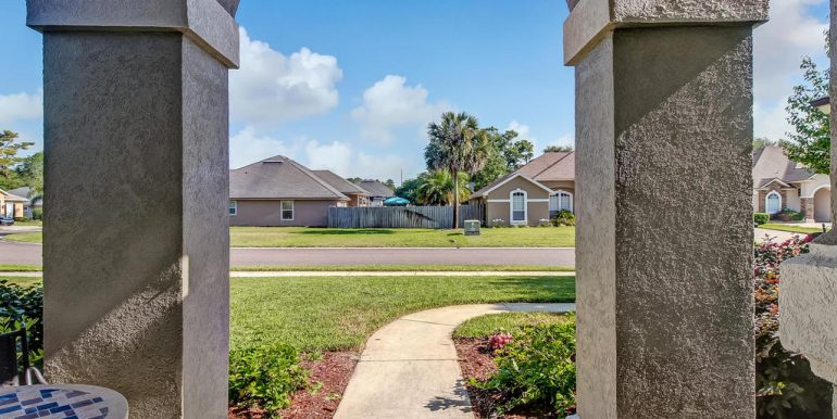 14588 Zachary Dr Jacksonville-MLS_Size-005-5-Front Yard-1024x768-72dpi