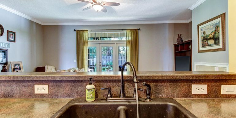 14588 Zachary Dr Jacksonville-MLS_Size-016-4-Kitchen-1024x768-72dpi