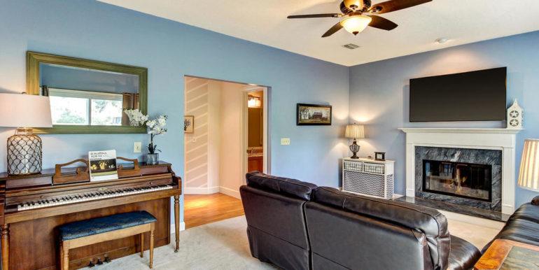 13542 Aquiline Rd Jacksonville-MLS_Size-015-48-Family Room-1024x768-72dpi