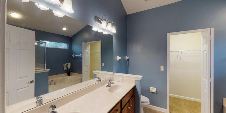 1919-Derringer-Road-Master-Bathroom(2)